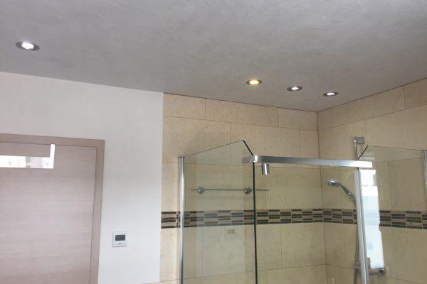 Exklusive Wandgestaltung im Bad